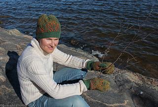 Betua-hat-mittens-katrine-birkenwasser-2_small2