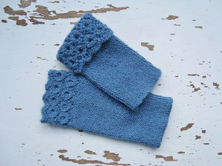Blue_wristwarmers_2a_small2