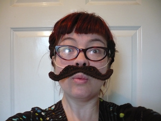 Crochetmoustache_small2