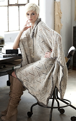03_lace_poncho_medium