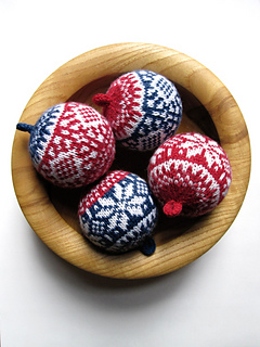Bsxmasjumperballs_small2