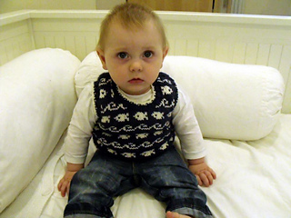 Theo_jumper_2_small2