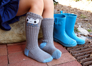 Raincloud_socks_2_web_small2