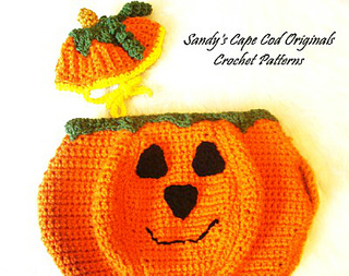 Close_up_pumpkin_face_small2