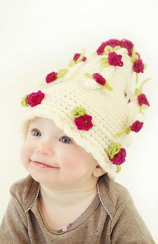 658cascading_flowers_hat_medium