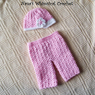 Newborn_lacy_pants_and_newsboy_hat_with_flower_small2