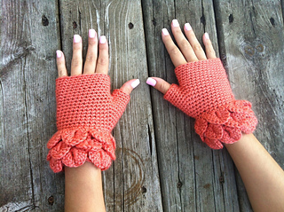 Croc_cuff_glovew_small2
