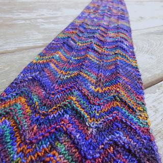 Knit Zig Zag Pattern : Ravelry: Zig zag scarf (3 ways) pattern by Susan Ashcroft