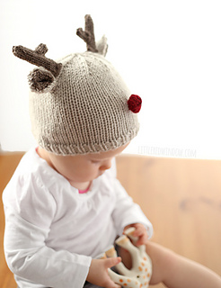 Tiny_reindeer_baby_hat_knitting_pattern_05b_littleredwindow_small2