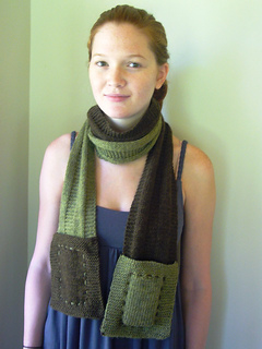 Pockets_scarf