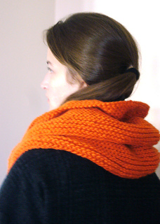 Cowl_ruffled_016_small2