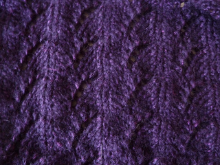 Purplevine_shrug_lace_small2