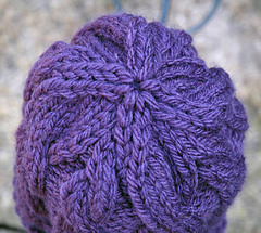 Cozy_twist_baby_hat_top_small