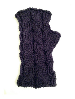 3_hour_cabled_mitts_pic2_small2