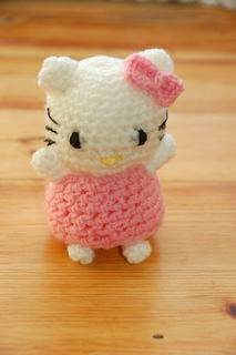 Hello_kitty_doll_small2