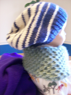 Contrast_slouch_hat_small2