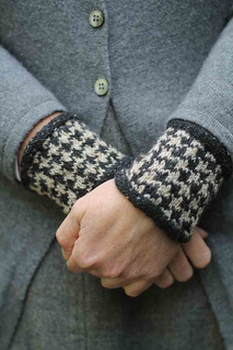 Houndstooth_wristies_small2