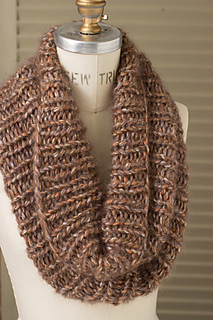 Caitlins_cowl_winter_woods_2_gallery_grande_small2