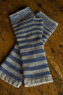 Accelerating-stripes-gloves-regia-4ply-gallery3__small2