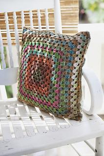 Granny-square-pillow_small2