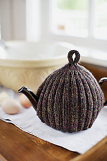 Ribbed-teapot-cozy_small2
