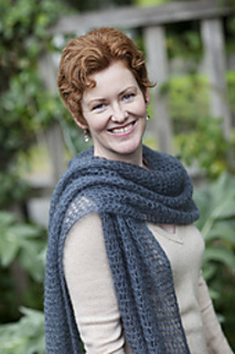 Kellys-frothy-crocheted-wrap_small2