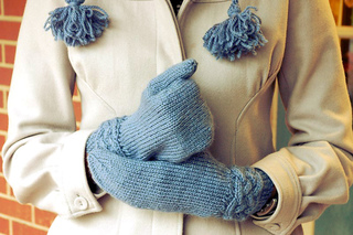Mom_-_cable_mittens_for_christmas_1_small2
