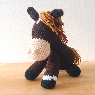 Ravelry Stuffed Horse Pattern By Colour And Cotton