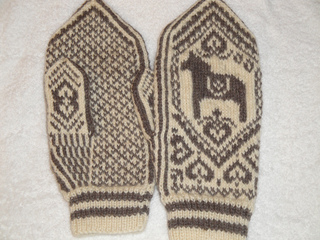 2011mittens_and_sheep_045_small2