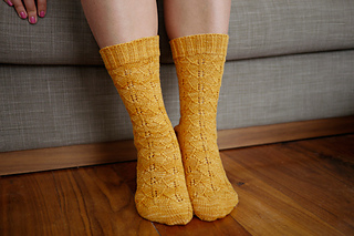 Gingko_socks_pattern_2_small2