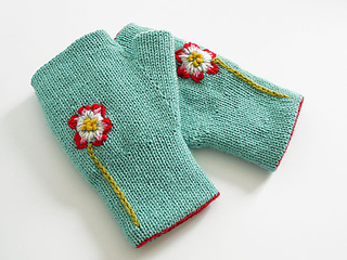 Reversible_fingerless_glove_powder_blue_flower_small2