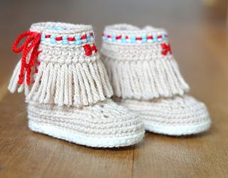 Baby Booties Free Crochet Pattern Moccasins : Ravelry: Moccasin Fringe Booties pattern by Caroline Brooke