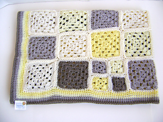 Grey_yellow_4_small2