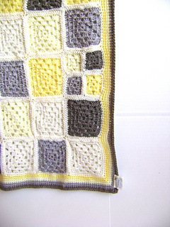 Grey_yellow_3_small2