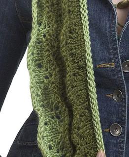 Ss21_knit_ruffle_scarf3_lg_small2