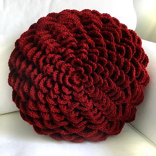 Roundflowerpillow2_small2