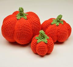 Crochet_pumpkins_small