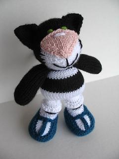 Monday_october_18_2010_olga_the_kitty_029_small2