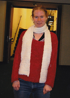 Emma_red_sweater_scarf_2_small2