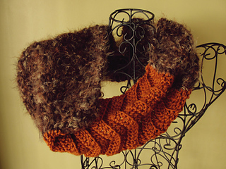 Fur_cowl_5_small2