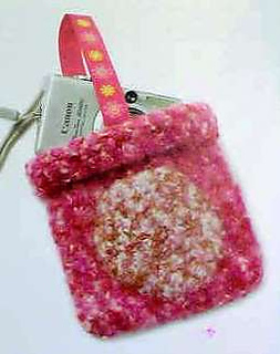 Feltedcamerabag_vogue_small2
