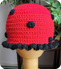 Ladybug_hat_resized_for_etsy_small