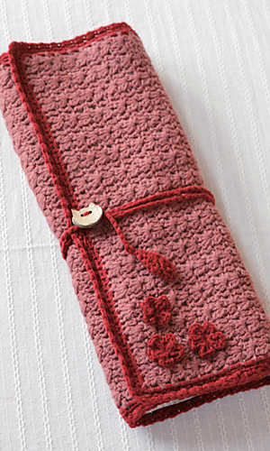 Knitting Needle Case Holder Pattern : Ravelry: amicomo7-10 Needle Case pattern by Pierrot (Gosyo Co., Ltd)