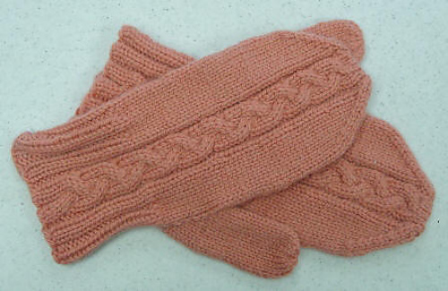 Camel_cable_mittens_medium