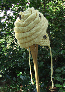 Single_bee_hat_small2