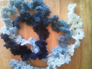 Queen_anne_s_lace_scarf_photo4_small2
