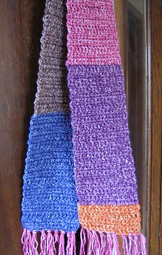 Simple_crocheted_scarf_color_block_3_medium
