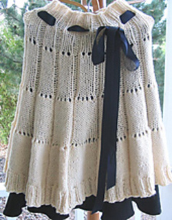 Eyelet_round_capelet_as_a_skirt_small2
