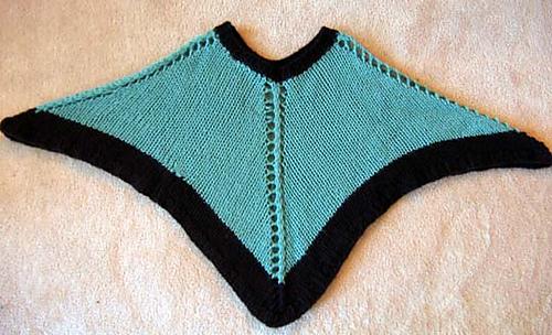 Easy_knit_poncho_new_flat_medium