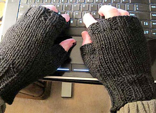 Mens_fingerless_mitts_black_on_m_1_fix_crop_small2